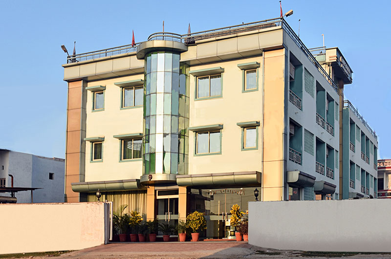 Hotel Gangotri:Front View